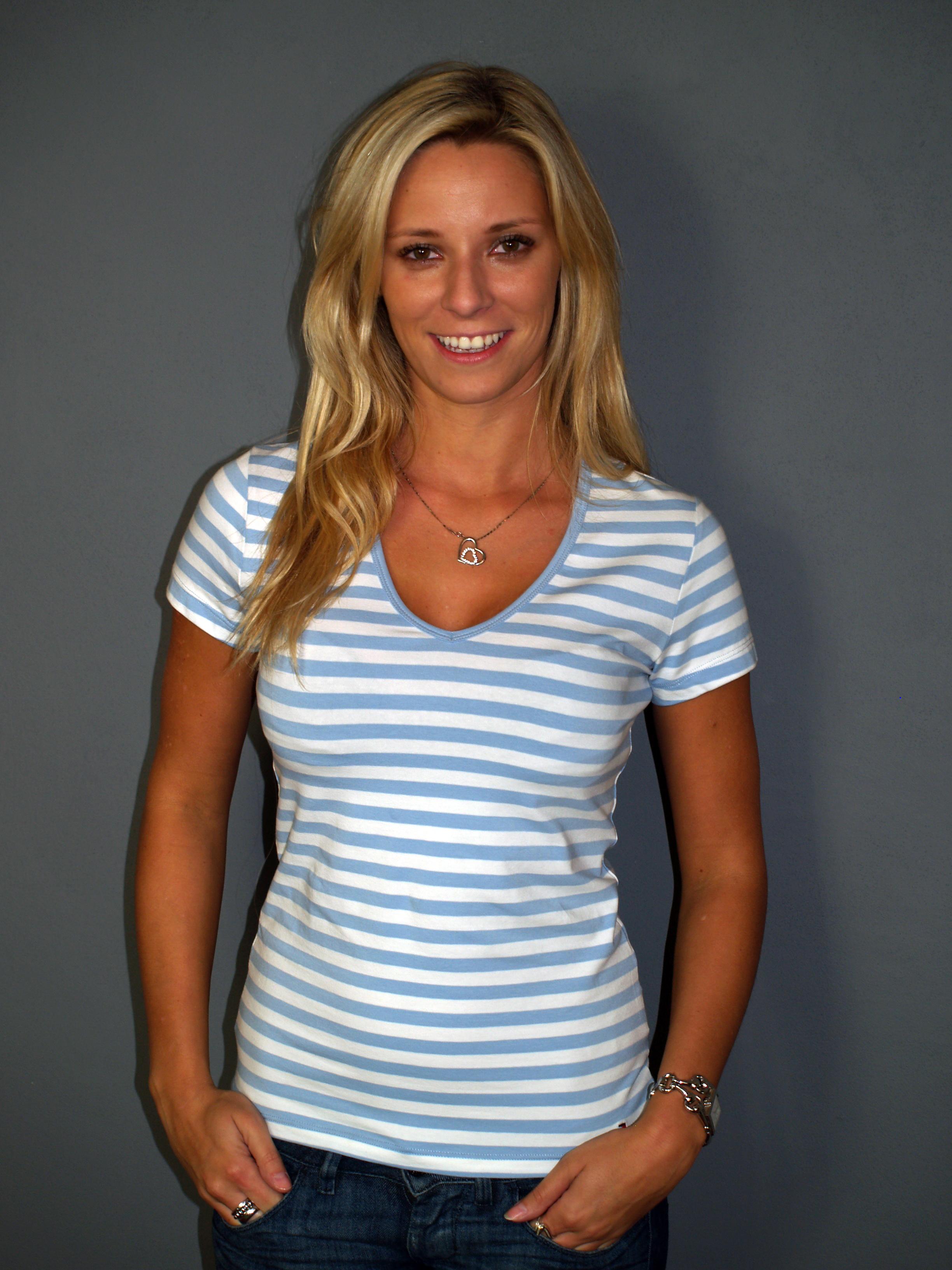 5701fd4ad262 Dámská trička   Pruhované tričko TOMMY HILFIGER modré